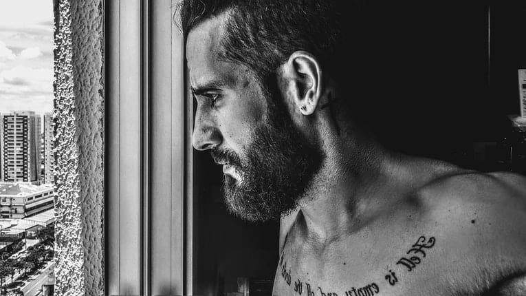 rimozione tatuaggi: chi sono i più pentiti dei propri tatuaggi? Ecco la top 10