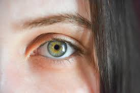 epilazione a filo arabo per sopracciglia e viso: meglio dell'epilazione laser?
